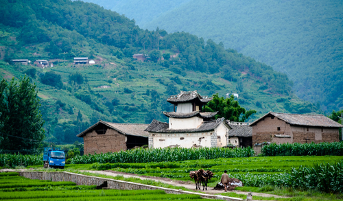 Picture: Old stage in a village just south of Qiaohou.